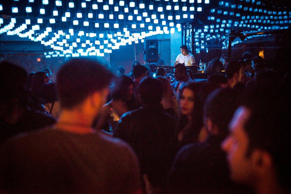 Trilogy Nightclub, Juhu.